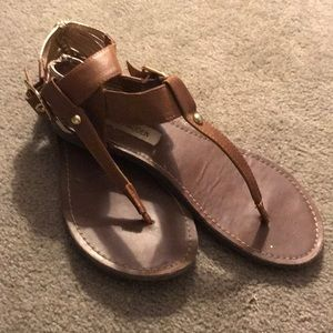 Steve Madden Brown / Gold Sandals